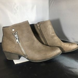 Madden Girl Zip Side Brown Ankle Booties 6.5 M